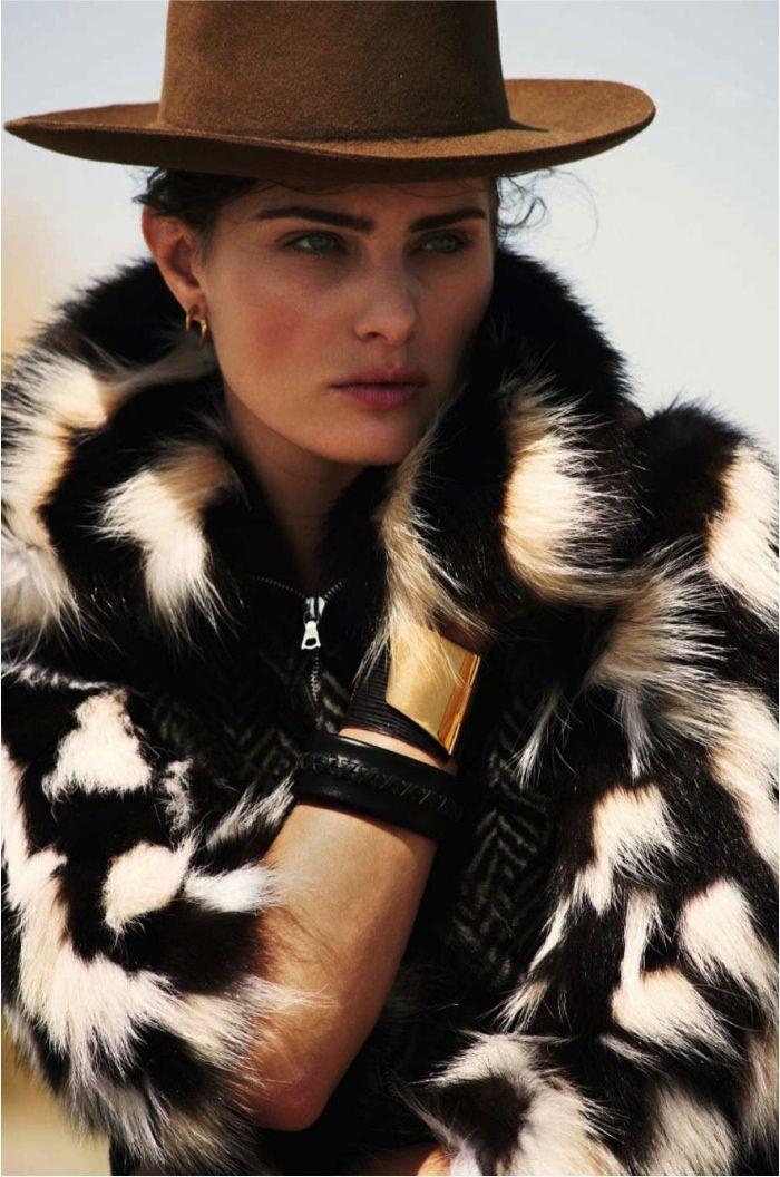 Isabeli models fur coat look