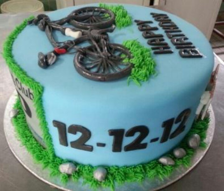 Bike themed Birthday cake.
