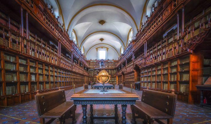 Biblioteca Palafoxiana by Ole  Steffensen - Photo 110019325 - 500px