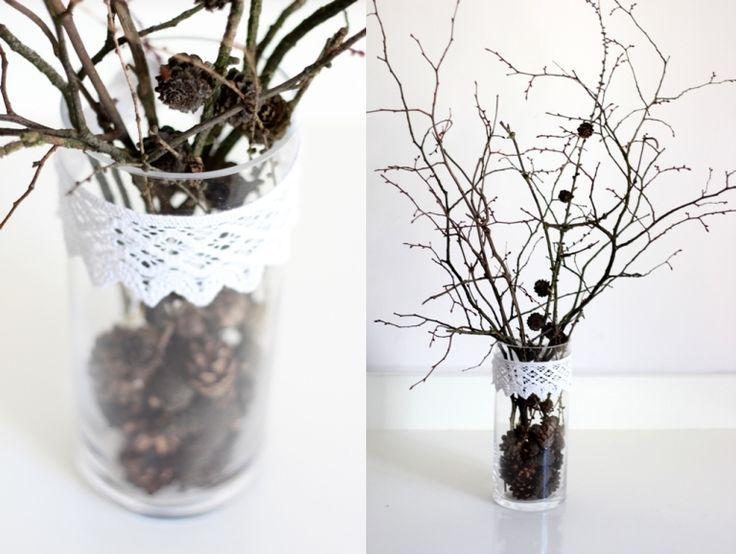 wazon, DIY, Wystrój wnętrz,  koronka, mmday, jesienny stroik, ozdoba na jesień, gałęzie, szyszki, vase, DIY, decor, lace, mmday, autumn wreath, decoration for autumn, branches, pine cones,