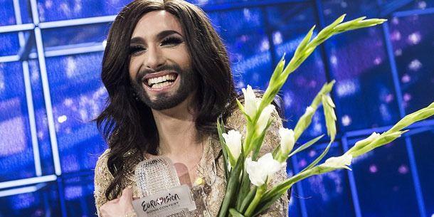 Conchita Wurst, queen of Austria! Bravo!