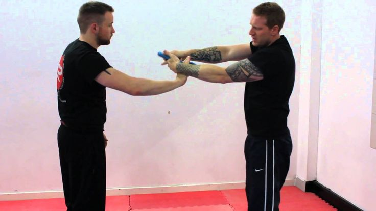Krav Maga Techniques - Defence Against a Pistol Threat from the Front