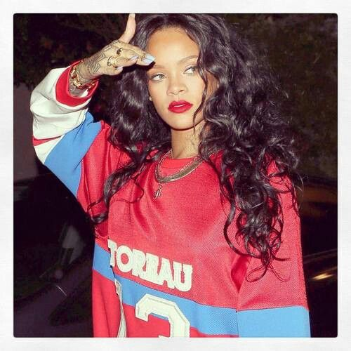 this was cute too though - Rihanna curly hair
