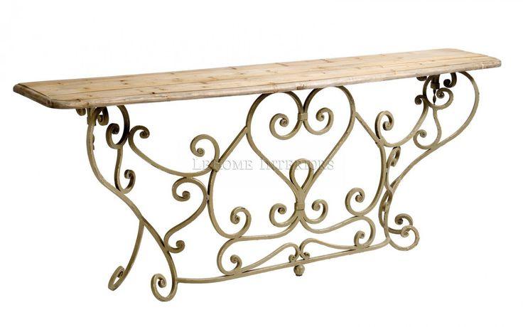Консоль Riviere Ornament Console. Искусственно состаренный и окрашенный металл, переплетенный в виде растительного орнамента, придает изящность. Топ выполнен из брашированного дуба.