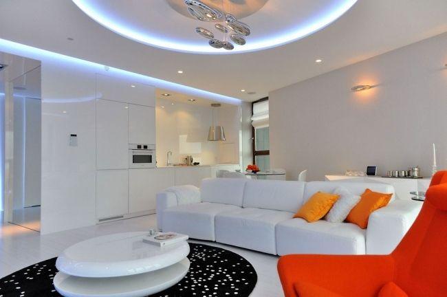 weiße einrichtung wohnbereich blaue led beleuchtung küche hochglanz