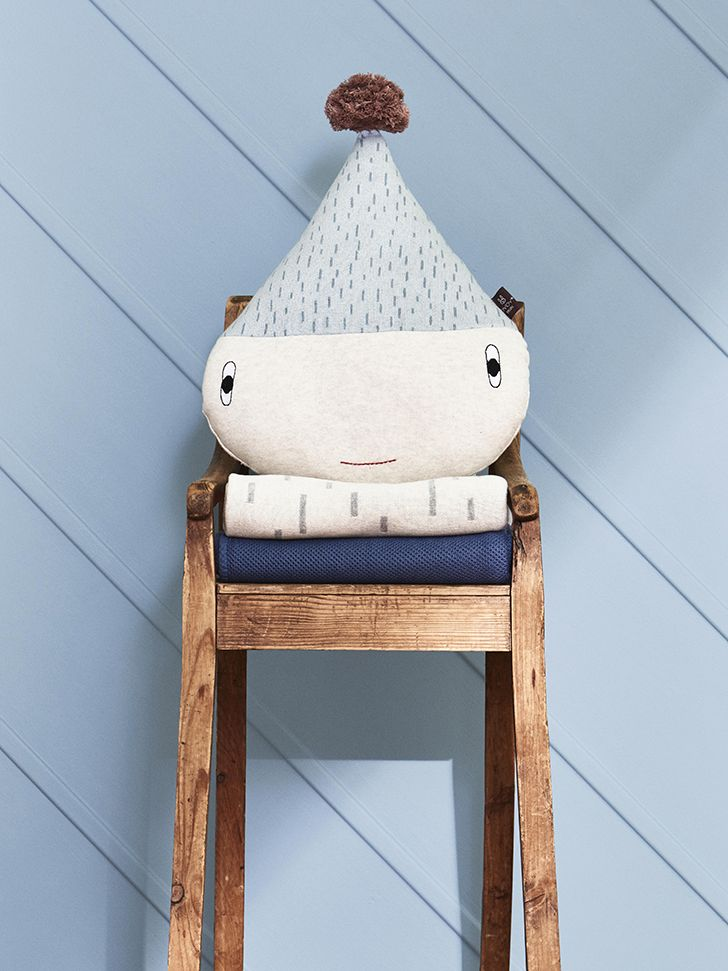 How cute is this Raindrop soft toy? http://petitandsmall.com/oyoy-mini-aw17-collection/