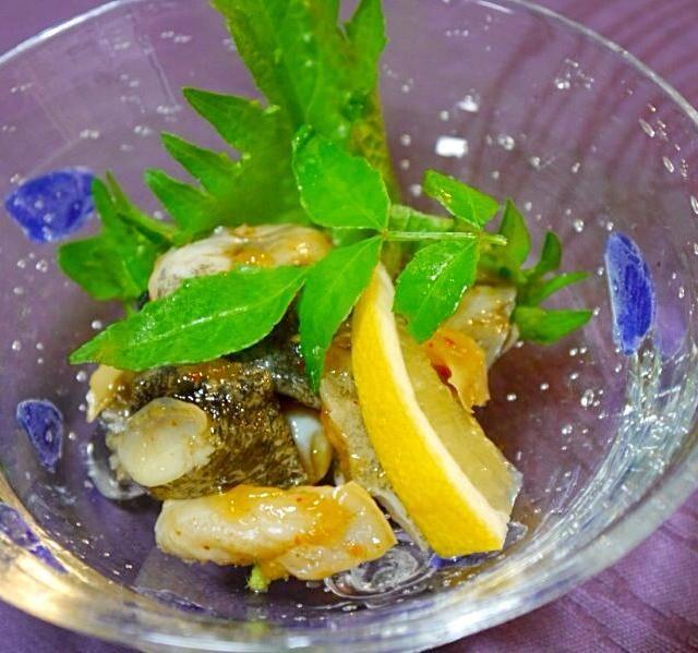 茹でたつぶ貝を使ったので簡単  酒、ミリン、醤油…同量 砂糖…上の半分 お水…少し 生姜…好きなだけ  煮汁を沸かしてからつぶ貝投入  あんまり煮すぎると硬くなるので注意 - 44件のもぐもぐ - つぶ貝煮付け by ぷぅぴぃ