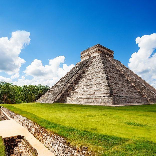 Chichen Itza L Ancienne Cité Maya Voyage Mexique Excursion Wonders Of The World Chichen Itza Beautiful Places