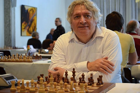 Dutch chess legend Jan Timman before the start of his game (in the Unive Open)