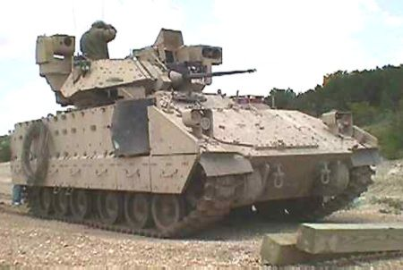 bradley fighting vehicle pictures | Bradley M2/M3 Tracked Armoured Fighting Vehicle