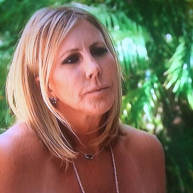 Vicki Gunvalson S Black Druzy Earrings And Necklace