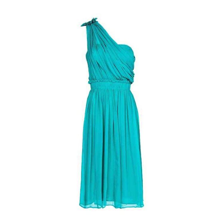 Vestido asimétrico en gasa de seda plisada con detalle al hombro en color verde esmeralda de Mango Outelt (39,95 euros)