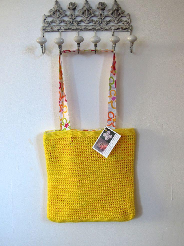 SLUNÍČKOVÁ KABELKA žlutá háčkovaná kabelka na rameno, 100%bavlna Camilla s bavlněnou podšívkou v moderním desingu, rozměry 30 x 28cm, magnetické zapínání