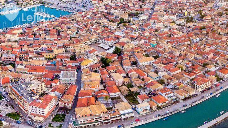 Η πόλη της Λευκάδας από ψηλά. Φωτο: Θ. Σβορώνος