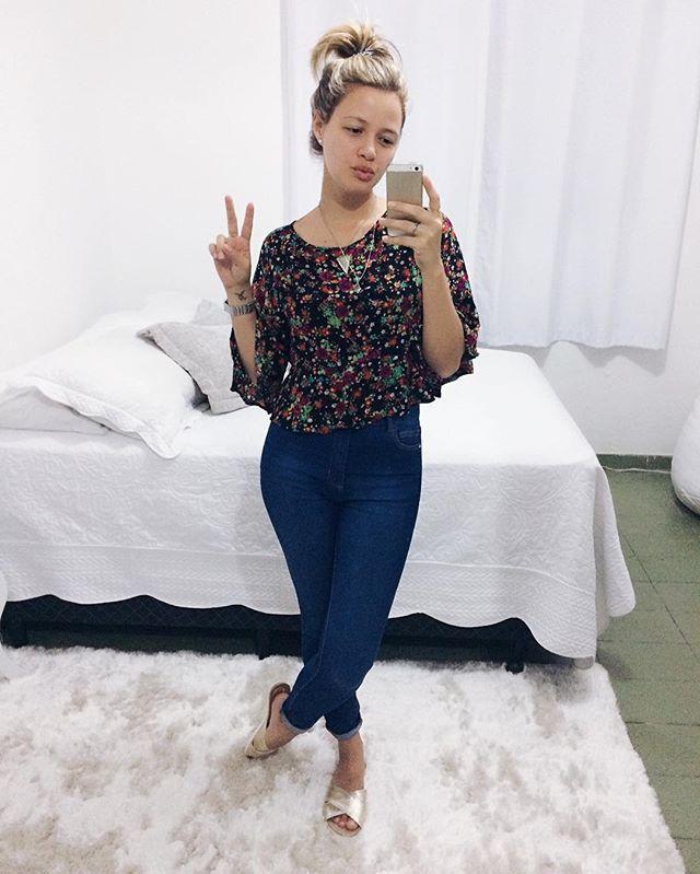 WEBSTA @ _jugmartins_ - ✌#boanoite#look#modaprameninas#estilo#modabIogg#Iooknovo#novoIook#becoII#instamoda#tendencia#blogger#meulook #minhaescolha #instalook #fashionblogger#modafeminina#lookbook #itgirl #moda#musthave#trend #tendenciaLook total @lojasrenner