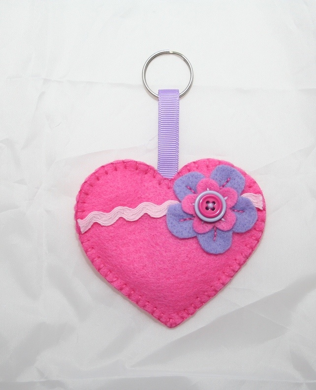Heart Felt Keyring or Bag Charm £2.50  But, before you close it, you can put something small in it.