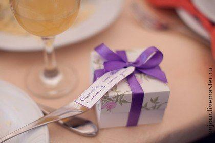 Бонбоньерка №9360. Бонбоньерка с крышечкой.    В переводе с французского языка бонбоньерка (иногда произносят как 'бомбоньерка') означает 'изящная коробка для конфет'. Свадебные бонбоньерки - это подарки гостям свадьбы в знак…