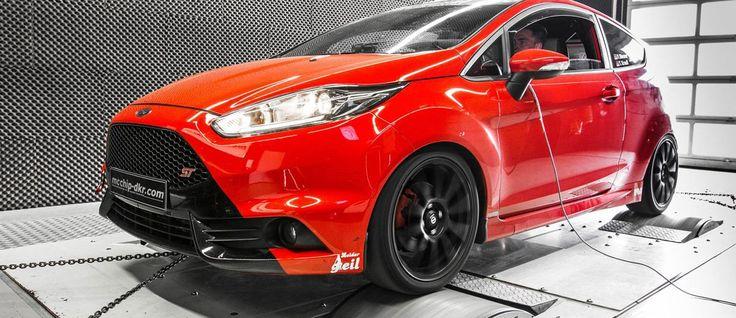 """Oh ja, wir hatten mit dem 182 PS und 240 Nm starken Ford Fiesta ST jede Menge Spaß. Und zu einem Preis von 20.390 Euro ist der kleine Hot Hatch zudem noch ein recht preiswertes Vergnügen. Wem dennoch nach """"etwas mehr"""" gelüstet, der kann ja mal bei den Jungs von Mcchip-DKR reinschauen. Hier bekommt der […]"""