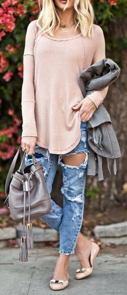 Lyndi In The City Blush Oversize Sweater Distressed Boyfriends Blush Bowed Ballet Flats Fall Street Style Inspo