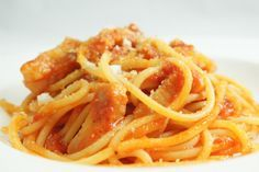 Pasta all'amatriciana: la ricetta originale con spaghetti o bucatini