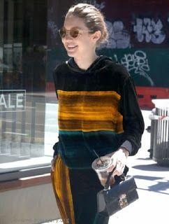 海外セレブスナップ | Celebrity Style: 【ジジ・ハディッド】大胆なゴールドの差し色がクール!薄メイクでお出かけのジジ!