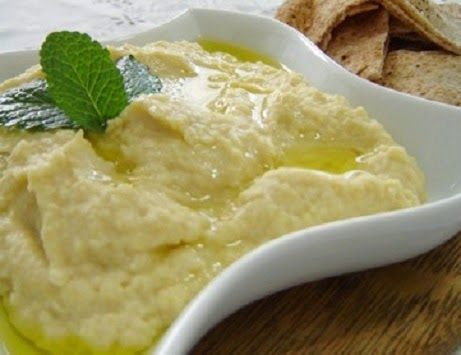 Tahine é uma pasta feita com gergelim, rica em cálcio, proteínas e vitaminas.