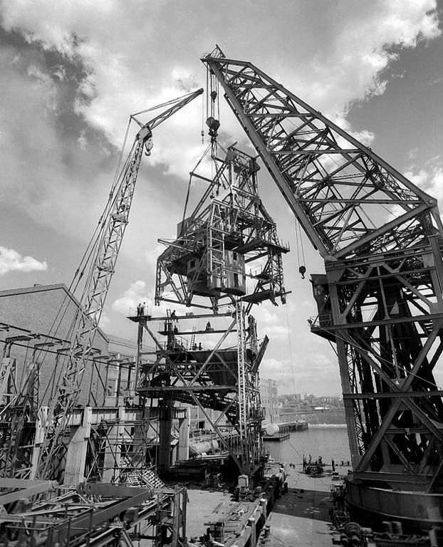Titan floating crane at Pyrmont, October 1954. Max Dupain photo.