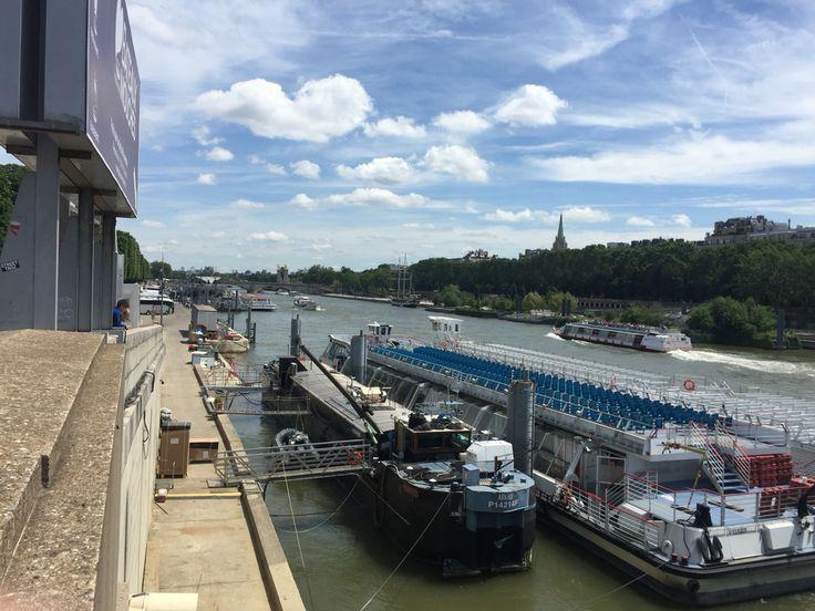 Berge de la Seine, Paris