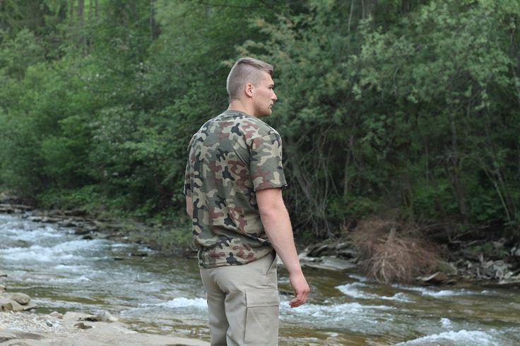 """Klasické vojenské krátke tričko """"Classic Army"""" od výrobcu Helikon-Tex. Bavlnené tričko s krátkym rukávom. http://www.armyoriginal.sk/1731/52879/kratke-maskacove-tricko-pl-woodland-helikon.html"""