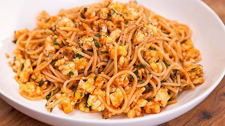 Spelt Spaghetti with Prawns, Lemon and Parsley