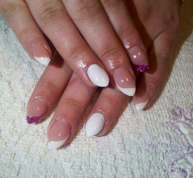Mini stiletto nails