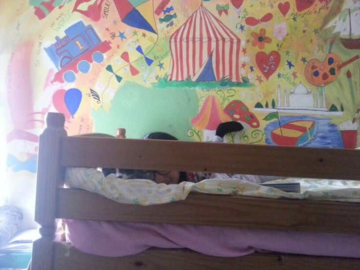 Kids bedroom mural (and a cat playing hide and seek)