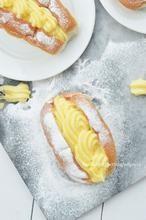 Eigeel over? Maak er eens deze heerlijk puddingbroodjes of roombroodjes van. Zo gemakkelijk en zo lekker.  Zo maak je ze!
