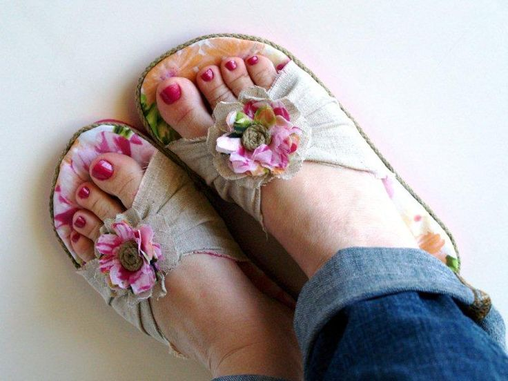 A Couple of Craft Addicts: Flip Flop Fun Series Guest Post: Incredible Refashion from Flamingo Toes