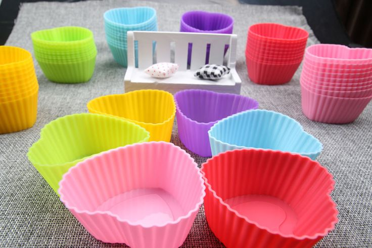 $1.59 (6 pscs) // Heart Shaped Silicon Muffin/Cupcake molds// Delivery time: 2-4 weeks