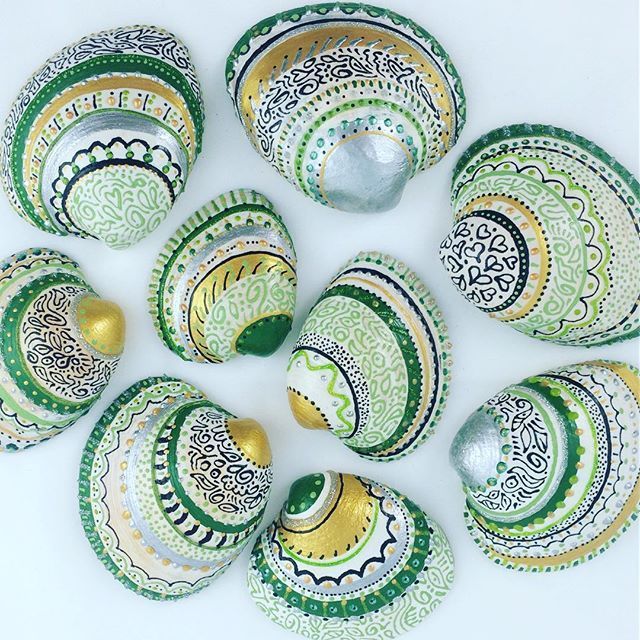 Just finished painting a new set of sea shells. In green this time. I will eventually  list my shells in my Etsy shop (link in bio). Will announce it here soon. . These make great little gifts. Some friends suggested they'd be great as Christmas ornaments and wedding favors. Any other suggestions? . @donnadonna27 @livingbetter.donna Can you see yours?  . #paintedseashells #etsyshop #handmade #handpainted #seashells #paintedshells #unique #fairfieldct #fairfieldcounty #art #creative