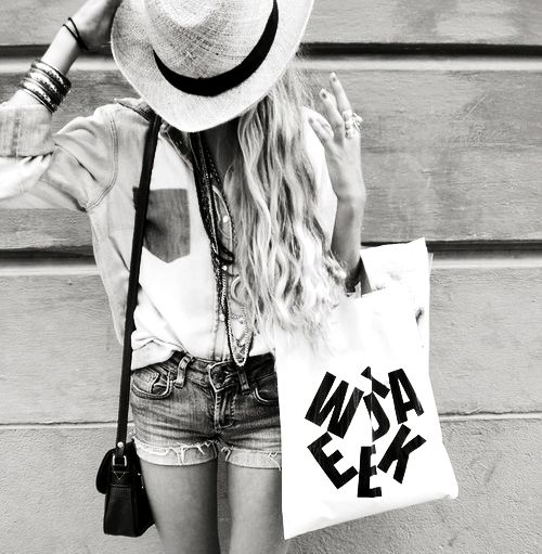 its casualBoho Chic, Fashion, Beach Waves, Style, Clothing, Long Hair, Black White, Blackwhite, Cowgirls Chic