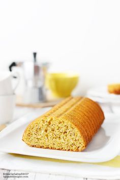 La torta Amor Polenta è uno dei dolci più conosciuti della tradizione lombarda e sicuramente uno dei più apprezzati. Preparato con ingr...
