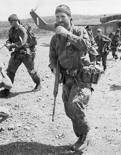 Sas Vietnam | May 1970: a patrol from 1 Sqn return to Nui Dat courtesy of a UH-1B of ...