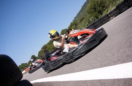Pour une session Kart achetée, Starter Park vous offre la deuxième