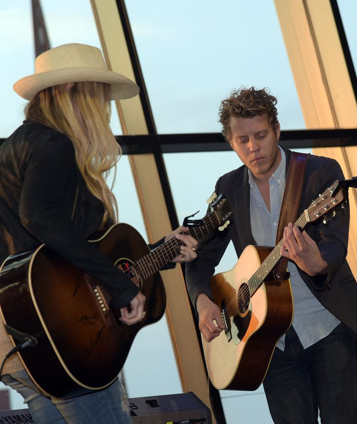 Anderson East will be going on tour with Chris Stapleton