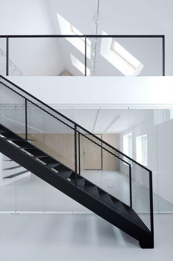 Gallery - Terra Panonica / Studio AUTORI - 12 trap borstwering leuning interieur zwart strekmetaal geperforeerd staal: