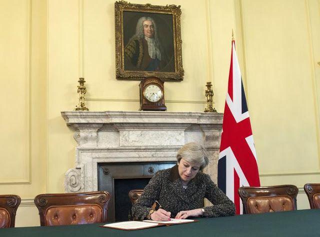 SCRIVOQUANDOVOGLIO: BREXIT:LONDRA CHIEDE L'USCITA DALL'UNIONE EUROPEA ...