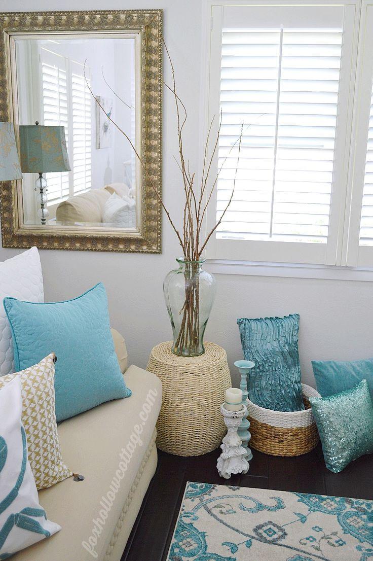 25 best ideas about aqua decor on pinterest aqua blue rooms aqua curtains and beach style - Aqua living room decorating ideas ...
