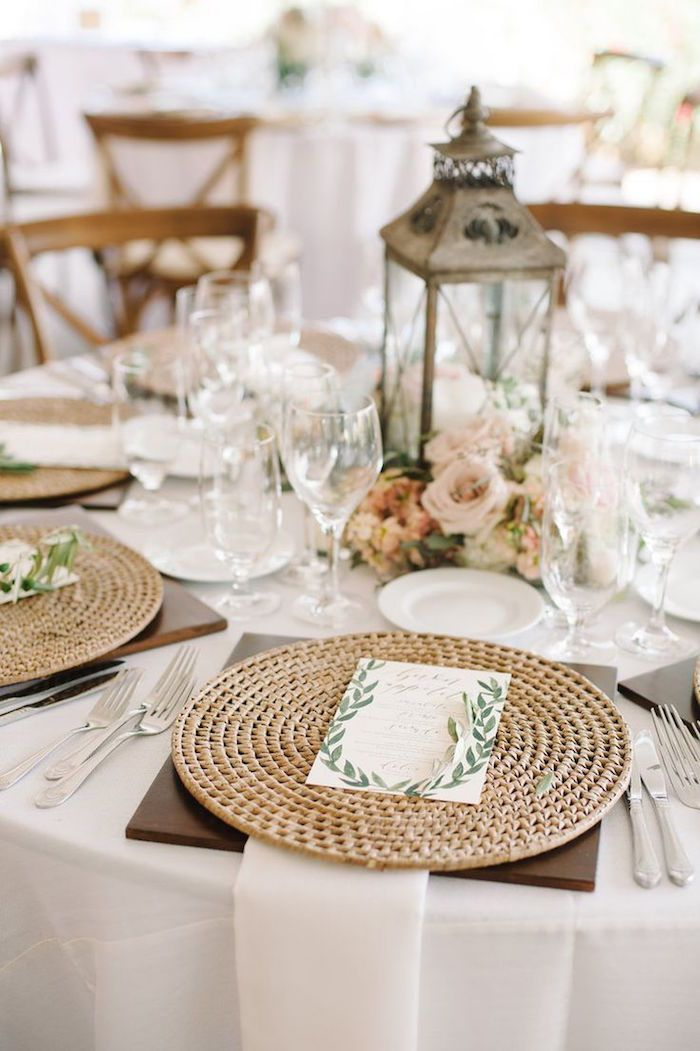 chic wedding centerpiece; Click to see more gorgeous wedding ideas; Featured: Tres Chic Affairs; Featured Photo: John Schnack Photography