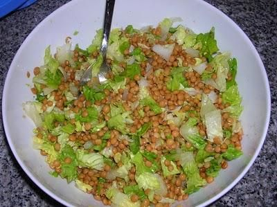 Диетический салат с чечевицей https://www.go-cook.ru/dieticheskij-salat-s-chechevicej/  Рецепт диетического салата, специально для любителей «зеленых» диет. Особенно это касается худеющих женщин, не понаслышке знающих о том, какую роль играет чечевица в этом процессе. Рецепт диетического салата с чечевицей Время подготовки: 15 минут Время приготовления: 1 час Общее время: 1 час 15 минут Кухня: Русская Тип: Закуска Порций: 2 Ингредиенты Один пучок петрушки Четвертинка … Читать далее…