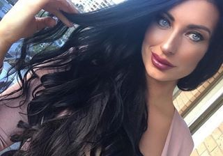 How amazing does our Diana Style Icon Lip Gloss look on the stunning@fromsydneywithlove__ #adorncosmetics #adornthyself .