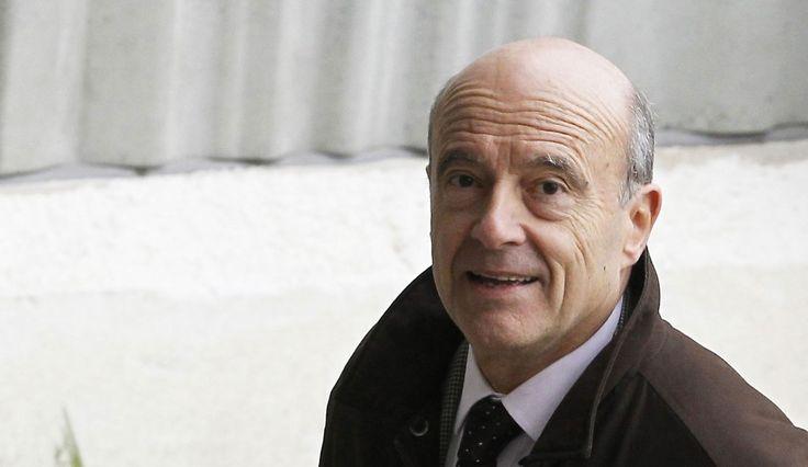Alain Juppé a répondu aux questions du « Grand Rendez-vous » sur Europe 1, au Grand Hôtel de Bordeaux. A l'heure où Nicolas Sarkozy a déclaré entamer « une longue marche » dans le JDD, de son côté, Alain Juppé a confirmé le maintien de sa candidature aux primaires 2016 de la droite et du centre, sans apporter de réponse concernant ses intentions, en vue de la présidentielle 2017.