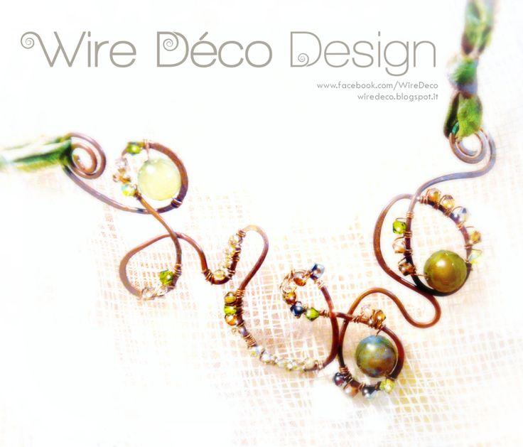 Collana girocollo in filo di rame con applicazioni di agata e cristalli. Nastro di seta : Collane di wiredeco