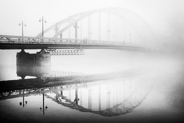 Győr, Híd ködben